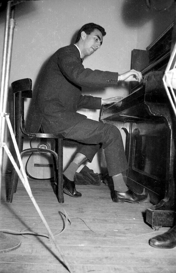 02-Pere-Gene-piano